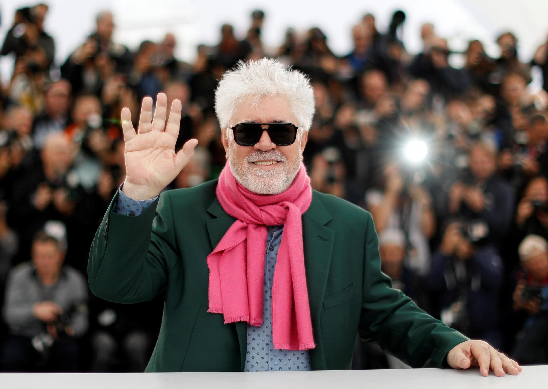 Pedro Almodóvar logo após entrevista coletiva em Cannes