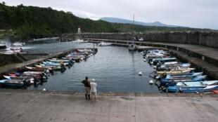Le petit port de Saint-Rose à l'est de La Réunion où les douaniers ont découvert le hors-bord rempli de drogue.