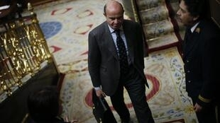 Spain's Economy Minister Luis de Guindos at Parliament in Madrid, 20 December, 2012