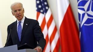 Вице-президент США Джо Байден на пресс-конференции в Варшаве 18/03/2014