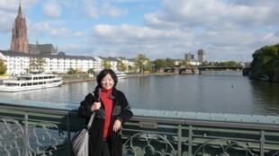 Nhà văn Trung Quốc Phương Phương (Fang Fang). Ảnh chụp tại Frankfurt năm 2009.