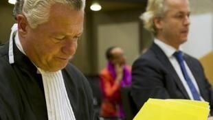 Geert Wilders and his lawyer Bram Moszkowicz in Amsterdam