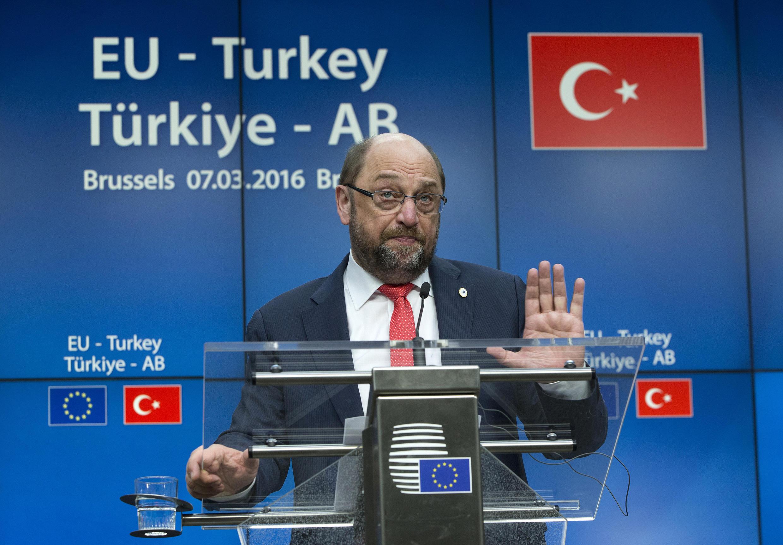 Martin Schulz, presidente do parlamento europeu, em Bruxelas na cimeira UE Turquia, 7 de Março de 2016
