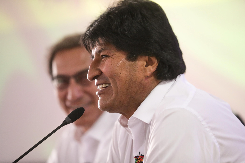 El presidente de Bolivia, Evo Morales, habla junto con su homólogo peruano, Martín Vizcarra, en una reunión bilateral en Cobija, Bolivia, el 3 de septiembre de 2018.