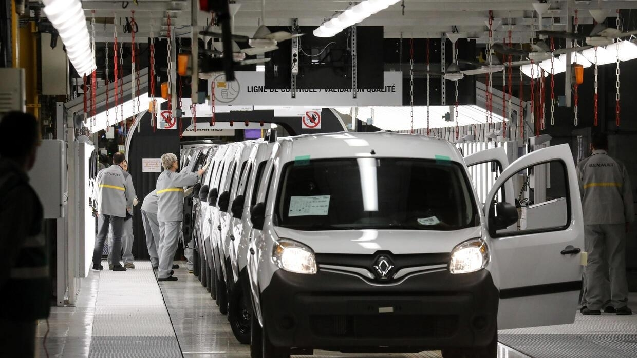 Unions, opposition call for state to intervene amid rumours of Renault closures