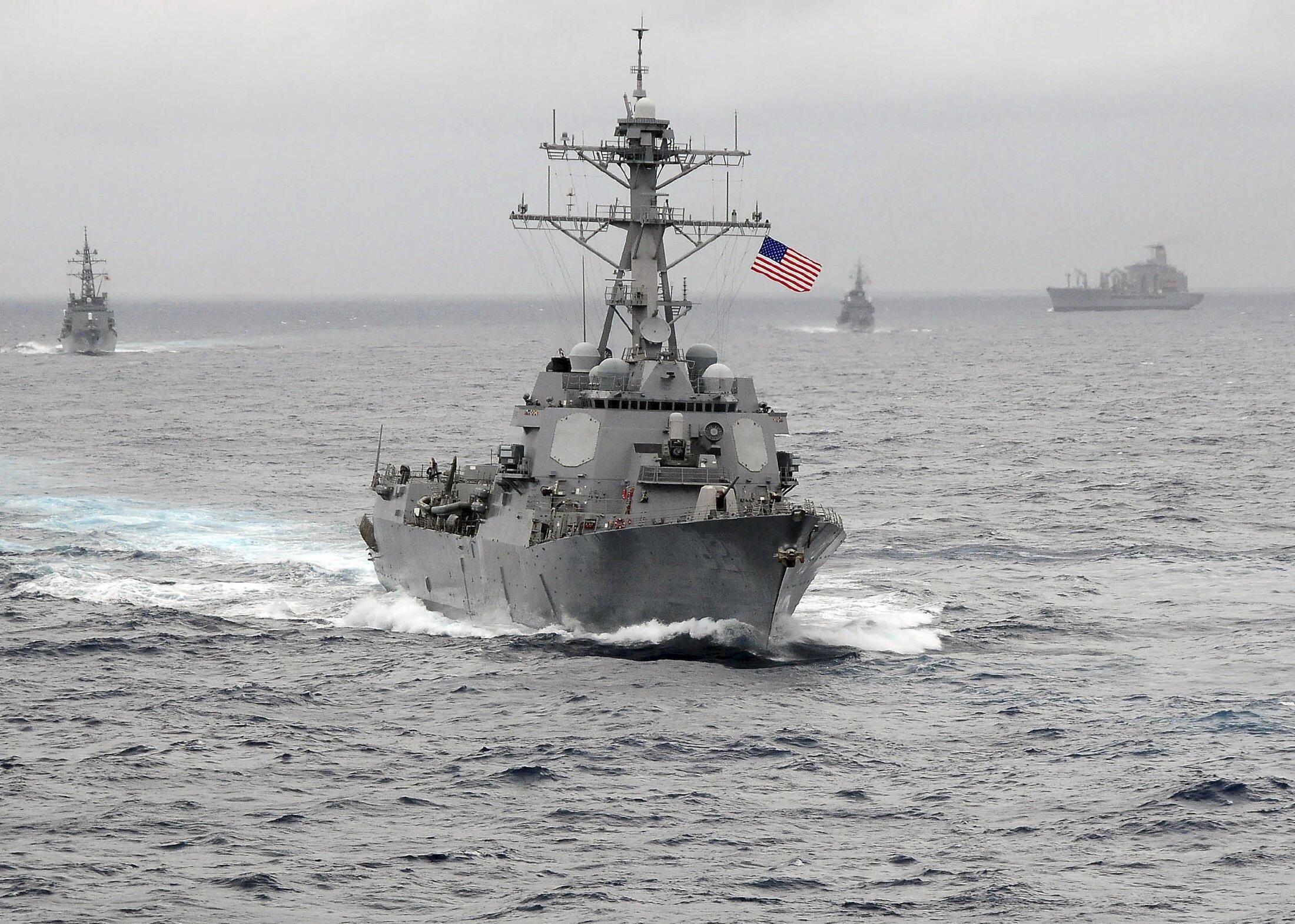 នាវាពិឃាដ USS Lassen ដែលអាមេរិកបញ្ជូនឲ្យចូលទៅក្នុងតំបន់ជាប់ជម្លោះនៅសមុទ្រចិនខាងត្បូង (រូបថតឯកសារ)
