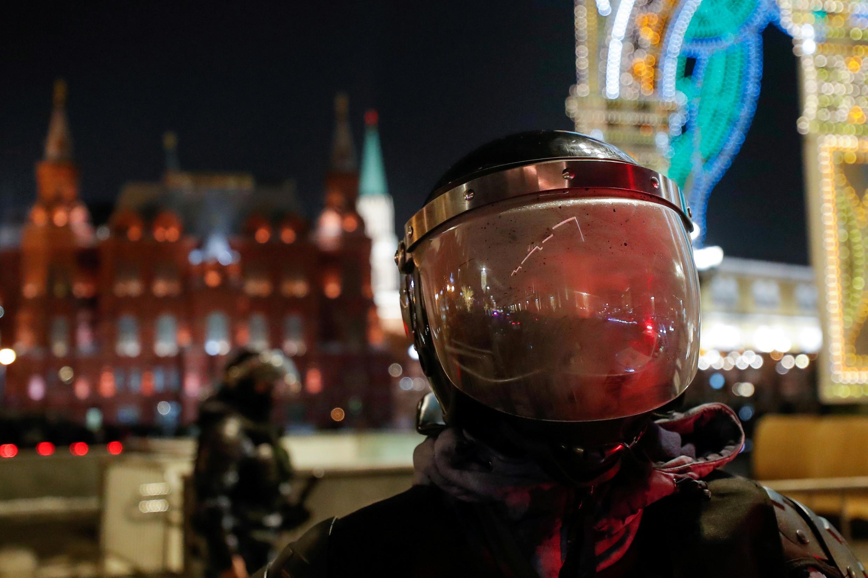 2021-03-05T165000Z_790397298_RC245M96AFQT_RTRMADP_3_RUSSIA-POLITICS-PROTESTS-POLICE