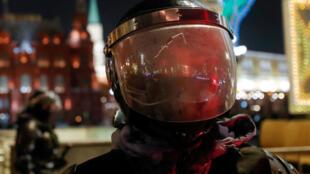 Policier de garde devant le Kremlin à Moscou, le 2 février 2021  (image d'illustration).