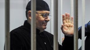Oyub Titiev, lãnh đạo tổ chức nhân quyền Memorial, chi nhánh tại Tchetchenia trong một phiên tòa ở Shali, Tchetchenia, Nga ngày 18/03/2019.