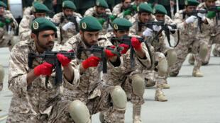 دانشجویان افسری و تربیت پاسدار دانشگاه امام حسین