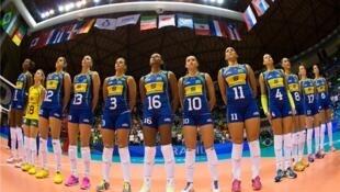A equipe brasileira de vôlei feminino