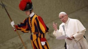 Le pape François au Vatican, le 22 décembre 2014.