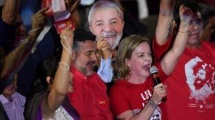 Gleisi Hoffmann, présidente du Parti des travailleurs, lors de la convention du parti, à Sao Paulo, ce samedi 4 août 2018.