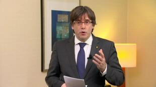 Carles Puigdemont critique le gouvernement espagnol après sa libération conditionnelle à Bruxelles
