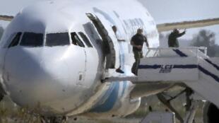 埃及民航劫機事件以劫機犯投降而和平解決