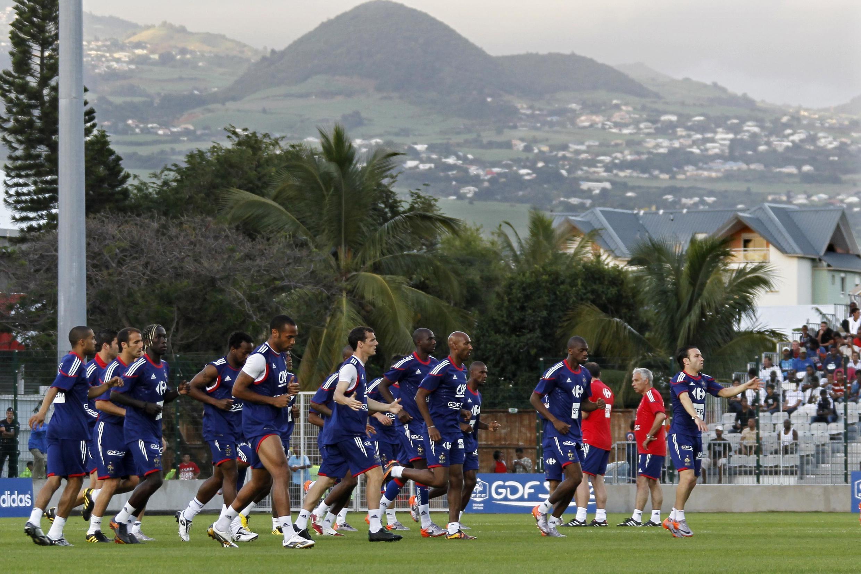 Treino da seleção francesa, na Ilha da Reunião.