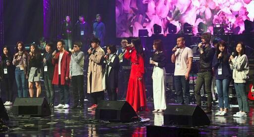 Des artistes sud-coréens lors de la répétition pour le concert de Pyongyang devant des Nord-Coréens et du président Kim Jong-un et son épouse, le 1er avril 2018.