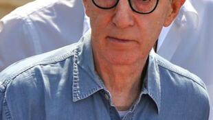 O cineasta Woody Allen, 78, é acusado novamente de abuso sexual por filha adotiva.