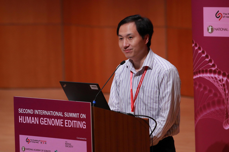He Jiankui en la segunda cumbre internacional sobre la edición del genoma humano, Hong Kong, noviembre 28, 2018.