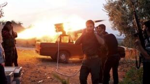 Os confrontos na Síria nunca cessaram apesar da trégua negociada por Lakhdar Brahimi.