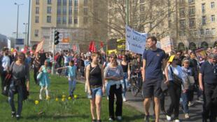 Le 6 avril 2019, les Berlinois manifestent contre les loyers aux prix exorbitants et pour la pétition d'expropriation des grandes sociétés immobilières.