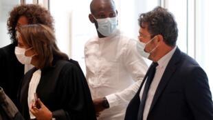 Lassana Bathily, ex-employer de l'Hyper Cacher porte de Vincennes, le 2 septembre 2020 au tribunal de Paris.