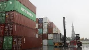 Containers avec de la marchandise pour l'exportation sur le port de Nanton, dans la province du Jiangsu.