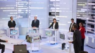Os seis candidatos à candidatura socialista no segundo debate televisivo, nesta quarta-feira, dia 28/09/2011.