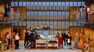 Madame Favart (Marion Lebègue), chœur de l'Opéra de Limoges.
