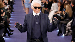 FILE PHOTO - German designer Karl Lagerfeld appears at the end of his Haute Couture Spring-Summer 2012 fashion show for French fashion house Chanel in Paris January 24, 2012