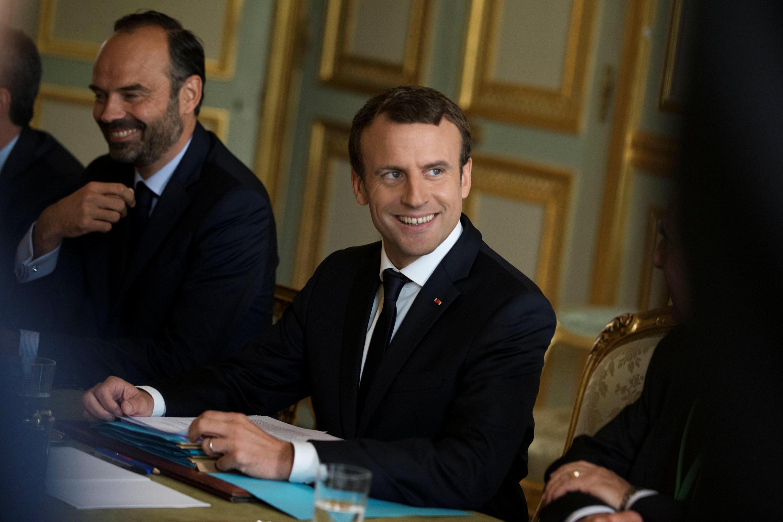 Emmanuel Macron y el Primer Ministro Edouard Philippe, durante una reunión en el Elíseo el 13 de julio de 2017.