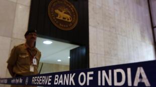 La Banque centrale indienne a baissé ses taux directeurs.
