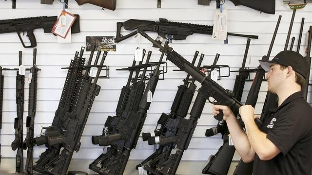 港媒指警队拟改向捷克买枪枝 评论指有变数(photo:RFI)