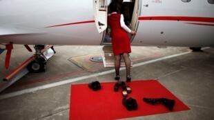 上海虹桥机场比亚乔阿凡提II飞机2013年4月16日。