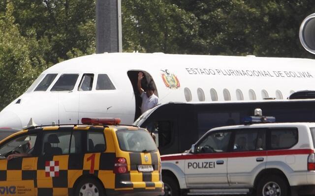 Самолет Эво Моралеса (Боливия) в Вене, 3 июля 2013 года