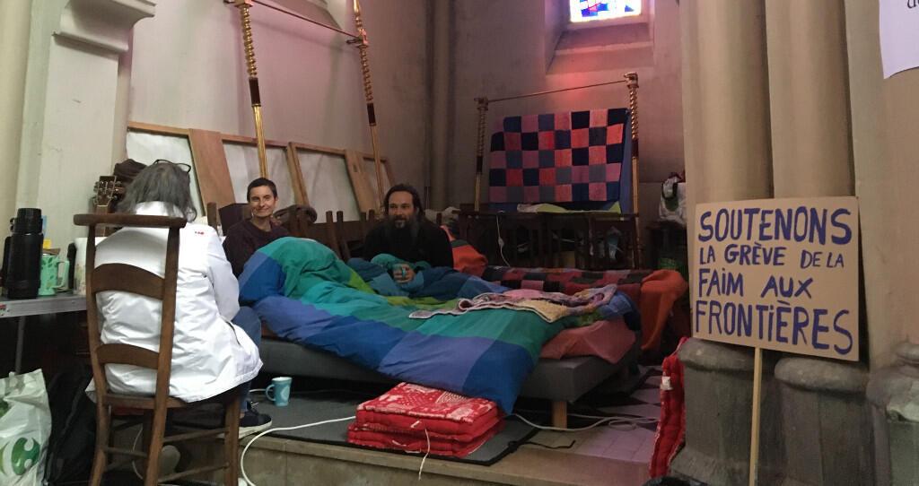 Grévistes de la faim à Calais. Photo 2