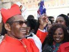 Cardeal Dom Arlindo, após investidura pelo Papa, sábado, 14 de fevereiro, num momento de confraternização, em Roma, com convidados e visitantes caboverdeanos.