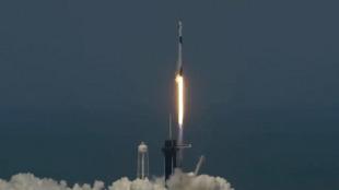 Kumbon 'yan sama jannati na Falcon-9 mallakin kamfanin SpaceX yayin tashi zuwa wajen duniya.