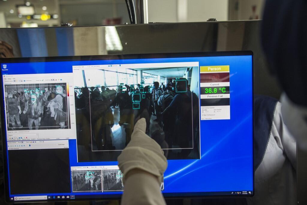 در حالی که شیوع ویرس مرگبار کرونا همچنان در حال گسترش است، یک مرد چینی که پس از شیوع این ویروس به اووهان سفر کرده بود، توسط فناوری تشخیص چهره شناسایی شد.