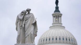 Washington fait figure désormais de ville fantôme, à une semaine de la cérémonie d'investiture de Joe Biden sur les marches du Capitole.