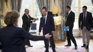 El presidente François Hollande recibió a los líderes europeos, con el objetivo de diseñar una ofensiva contra el desempleo de los jóvenes en Europa.