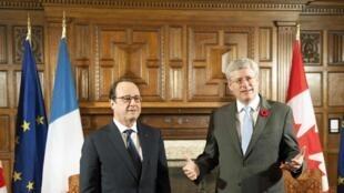 François Hollande et le Premier ministre canadien, Stephen Harper à Banff, le 2 novembre 2014.