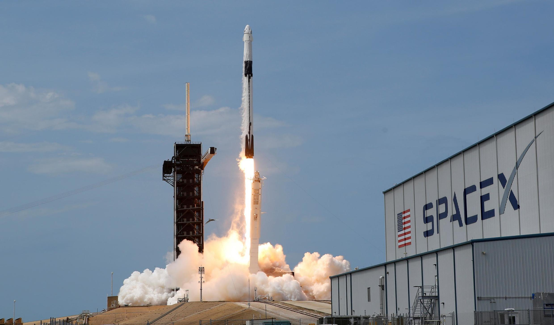 法廣存檔圖片: 法國宇航員Thomas Pesquet預計2021年4月23日星期五升空, 飛向國際太空站。 Image d'archive RFI : Le vaisseau spatial Crew Dragon, lancé par la fusée Falcon 9 de Space X, doit emmener 4 astronautes à la Station spatiale internationale