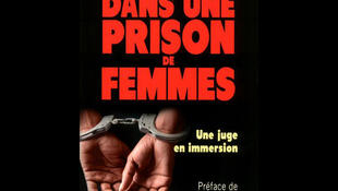 Couverture du livre d'Isabelle Rome: «Dans une prison de femmes».