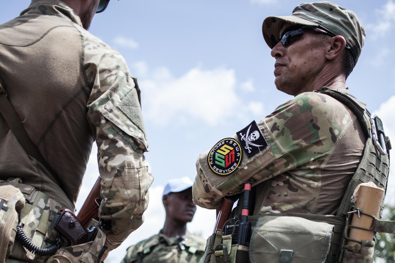 Бойцы ЧВК Sewa Security Services, которая, как утверждает Le Monde, «вероятно, является филиалом «ЧВК Вагнера».