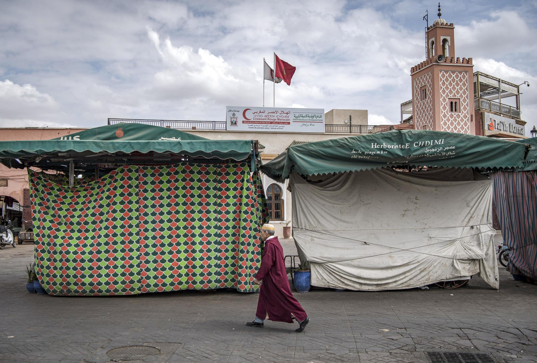 Maduka huko Marrakech yakiwa tupu kufuatia ya hatua ya serikali ya kuweka masharti ya watu kutotembea, Machi 16, 2020.
