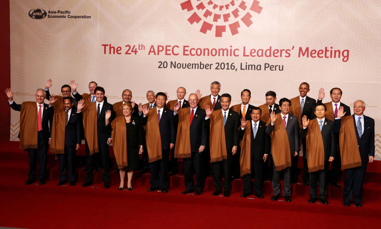 Os países da região Ásia-Pacífico se despediram com pesar do presidente americano Barack Obama neste domingo em Lima e advertiram seu sucessor Donald Trump, prometendo lutar contra o protecionismo.