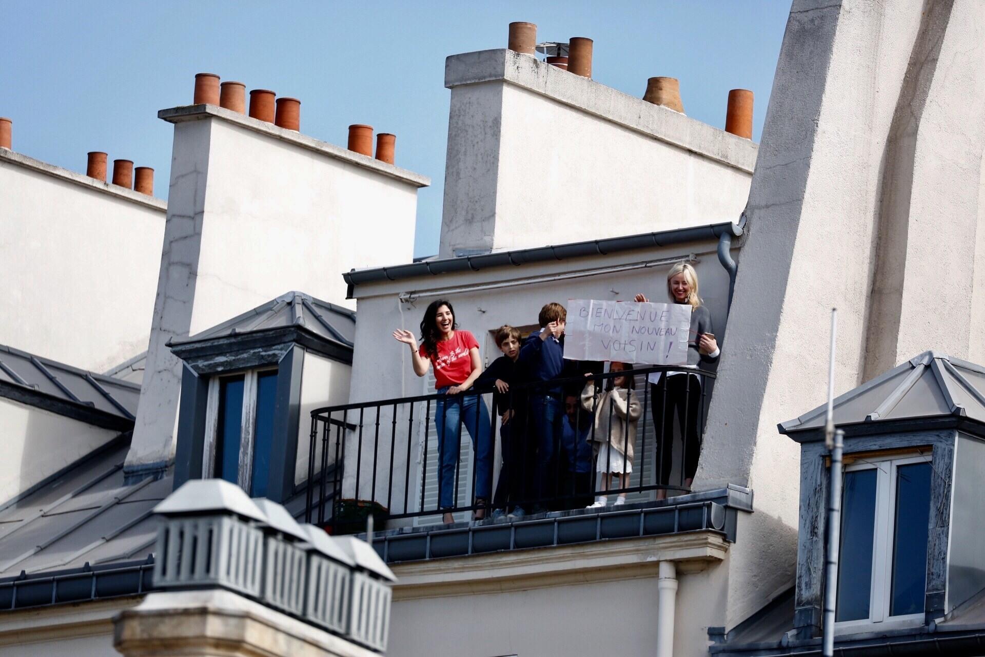 Residents of an apartment opposite the Elysée