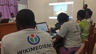 Au Bénin, formation de Wikimediens, nom donné aux contributeurs de Wikimedia et Wikipedia.