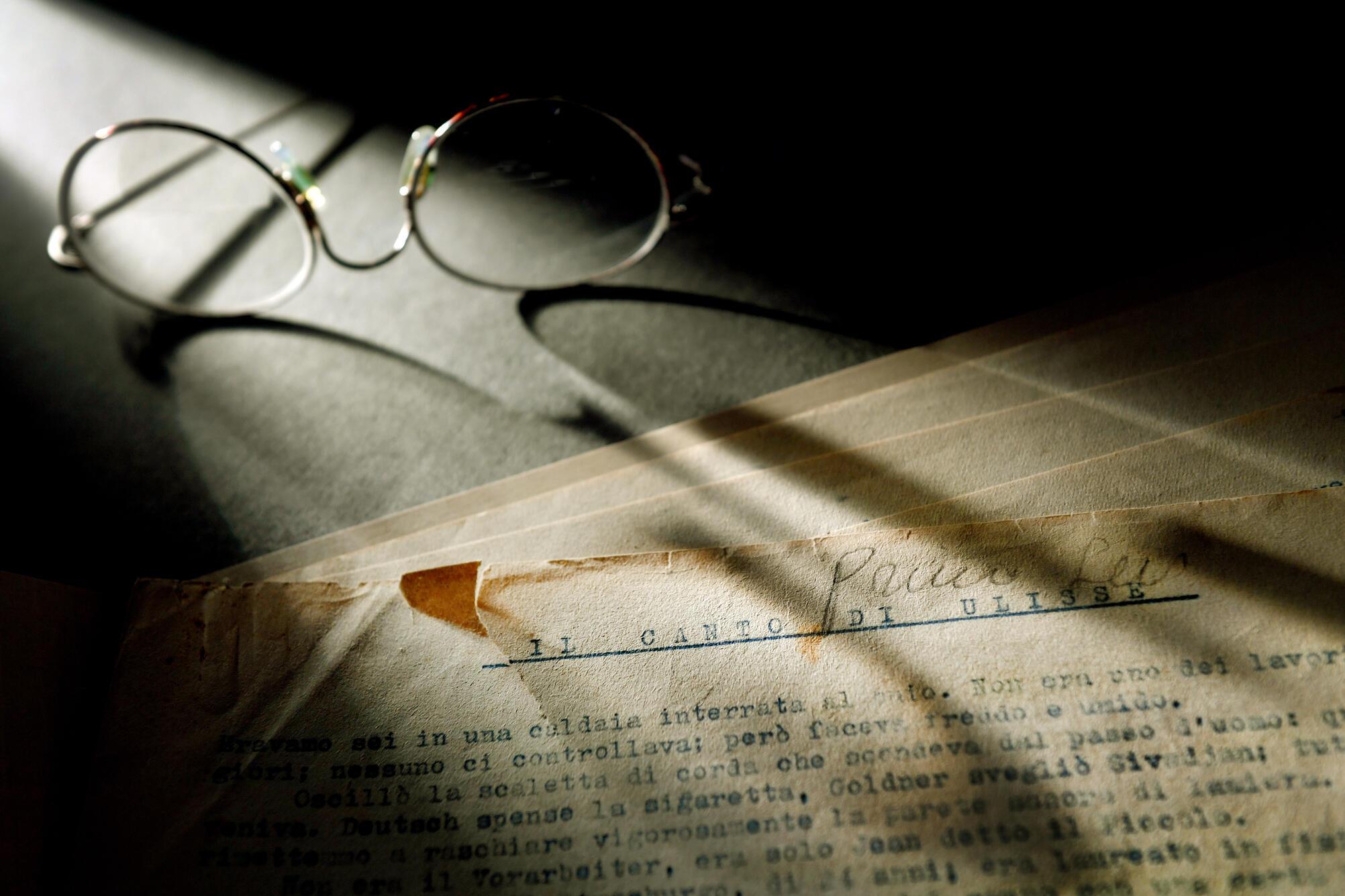 Un manuscrit original de Primo Levi exposé au musée de l'Holocaust, à Washington.
